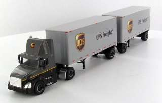 HO TONKIN UPS FREIGHT DAY CAB SEMI TRUCK 28 DOUBLE TRAILER 1/87 SP163