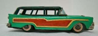 TIN LITHO WOODY 1958 FORD COUNTRY SQUIRE STATION WAGON FRICTION