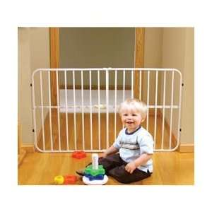 Regalo Guardian Step Over Expandable Gate Baby