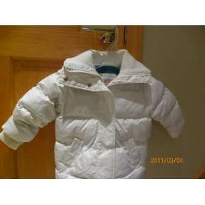 Old Navy Baby girl white snow jacket size 18 24 M